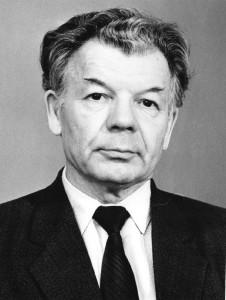 Шустанов Михайл Иванович - с 01.09.1967 по 26.07.1992 г.